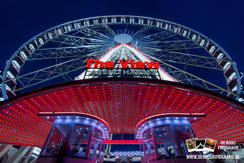 Reuzenrad The View in Rotterdam in de avond