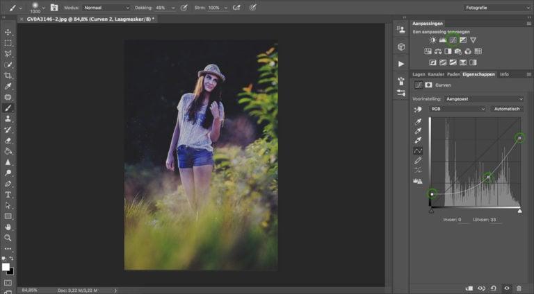 Met curven de foto donkerder maken