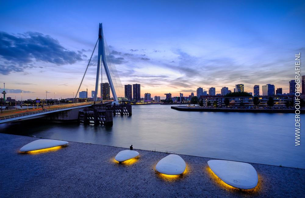 Mooiste zonsondergang foto van de Erasmusbrug