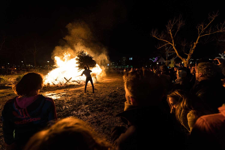Foto Renzo Gerritsen kerstboomverbranding 24