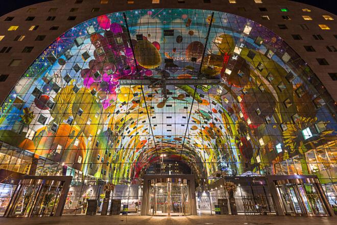 Foto kleurrijke Markthal in Rotterdam