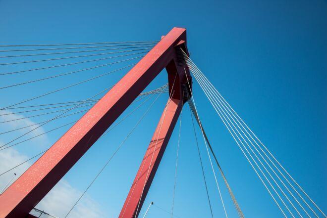 Foto van de Willemsbrug in Rotterdam