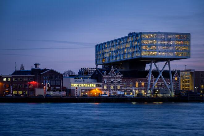 Unilever kantoor in Rotterdam aan de Nieuwe Maas