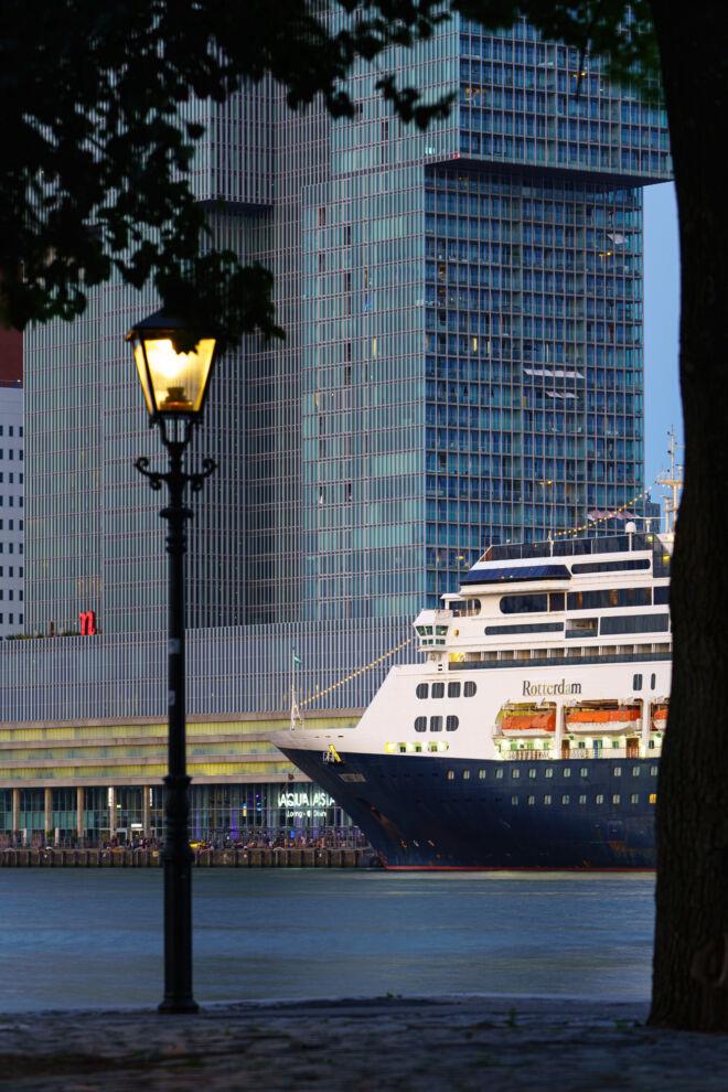 Cruiseschip De Rotterdam - Holland America Lijn