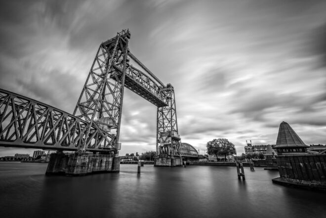 Zwart-wit foto De Hef in Rotterdam