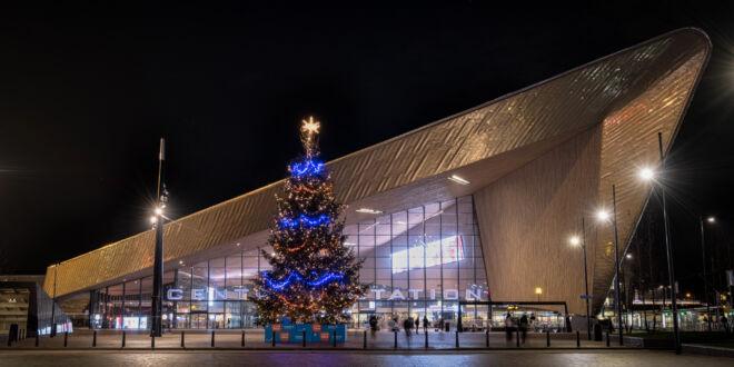 Centraal Station met Coolblue Kerstboom