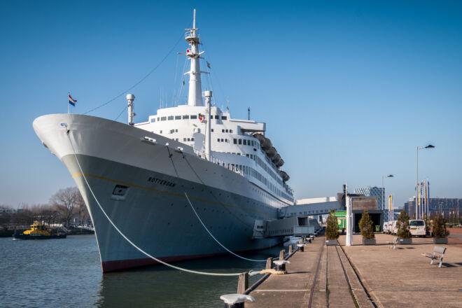 SS Rotterdam in de zomer