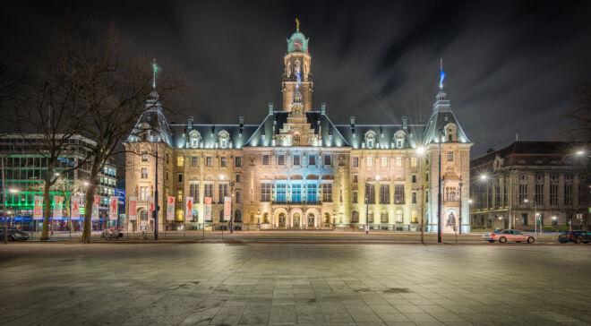 Mooiste avondfoto stadhuis Rotterdam
