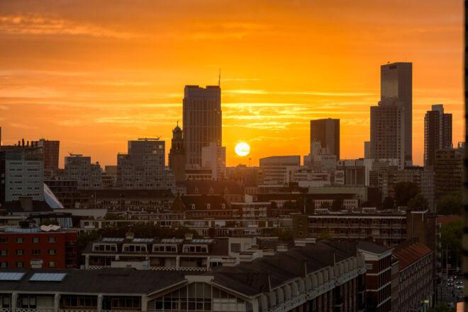 Foto zonsondergang Rotterdam Centrum