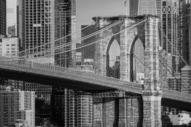 Mooie zwart-wit foto Brooklyn Bridge New York