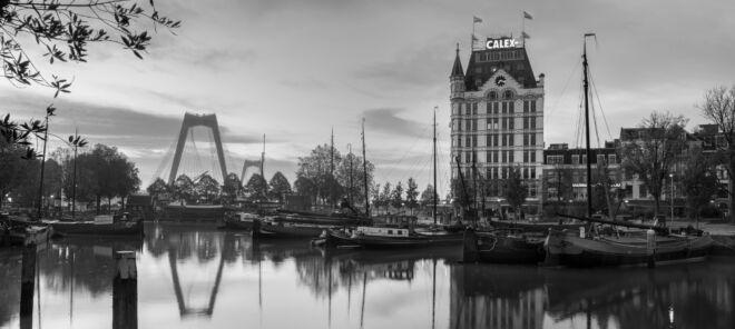 Panoramafoto Oude Haven in Rotterdam (zwart-wit)