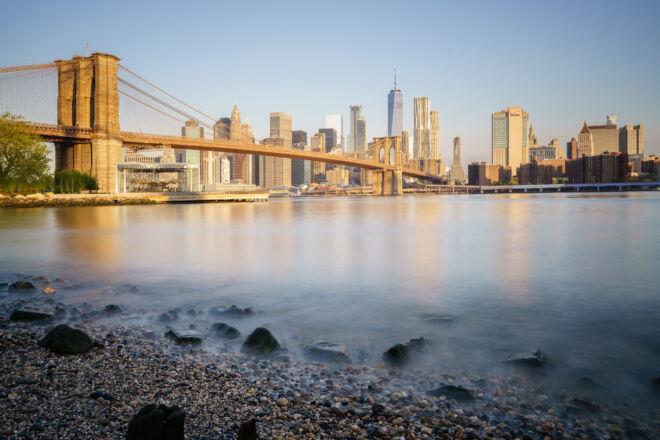 Mooiste foto zonsopkomst New York Brooklyn Bridge