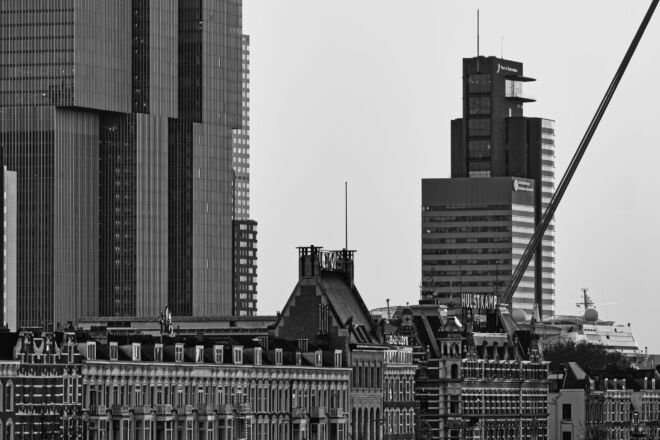 Zwart-wit foto Noorderaildn met Kop van Zuid