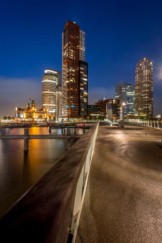 Mooiste avondfoto Kop van Zuid Rotterdam
