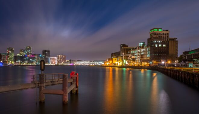 Mooiste avondfoto Rijnhaven in Rotterdam