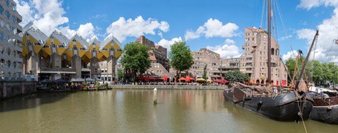 Panoramafoto Oude Haven met kubushuizen in Rotterdam