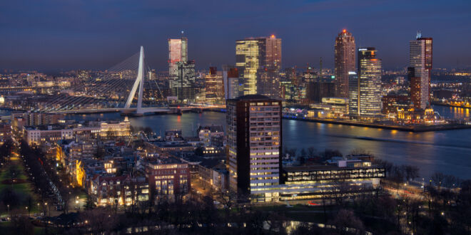 Mooiste skyline foto van Rotterdam vanaf de Euromast
