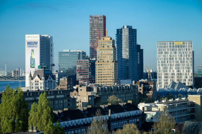 Foto skyline Rotterdam Blaak vanaf Oostplein