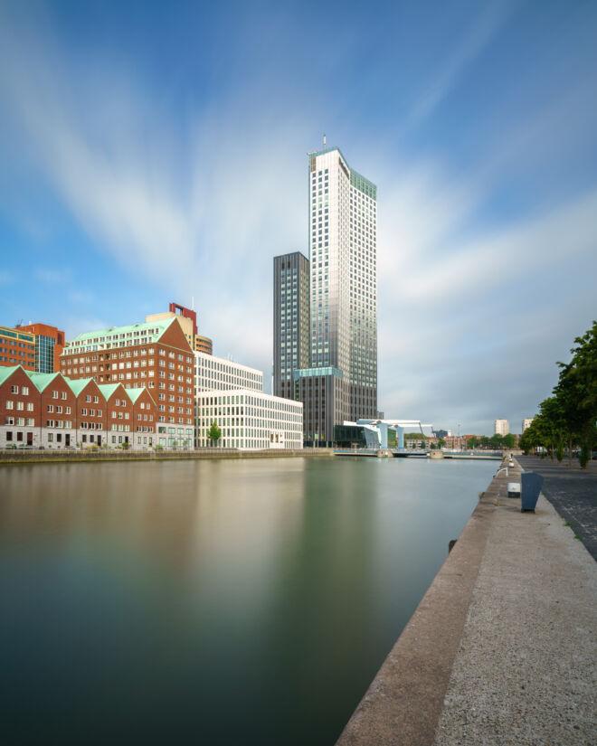 Foto van de Spoorweghaven Rotterdam met lange sluitertijd