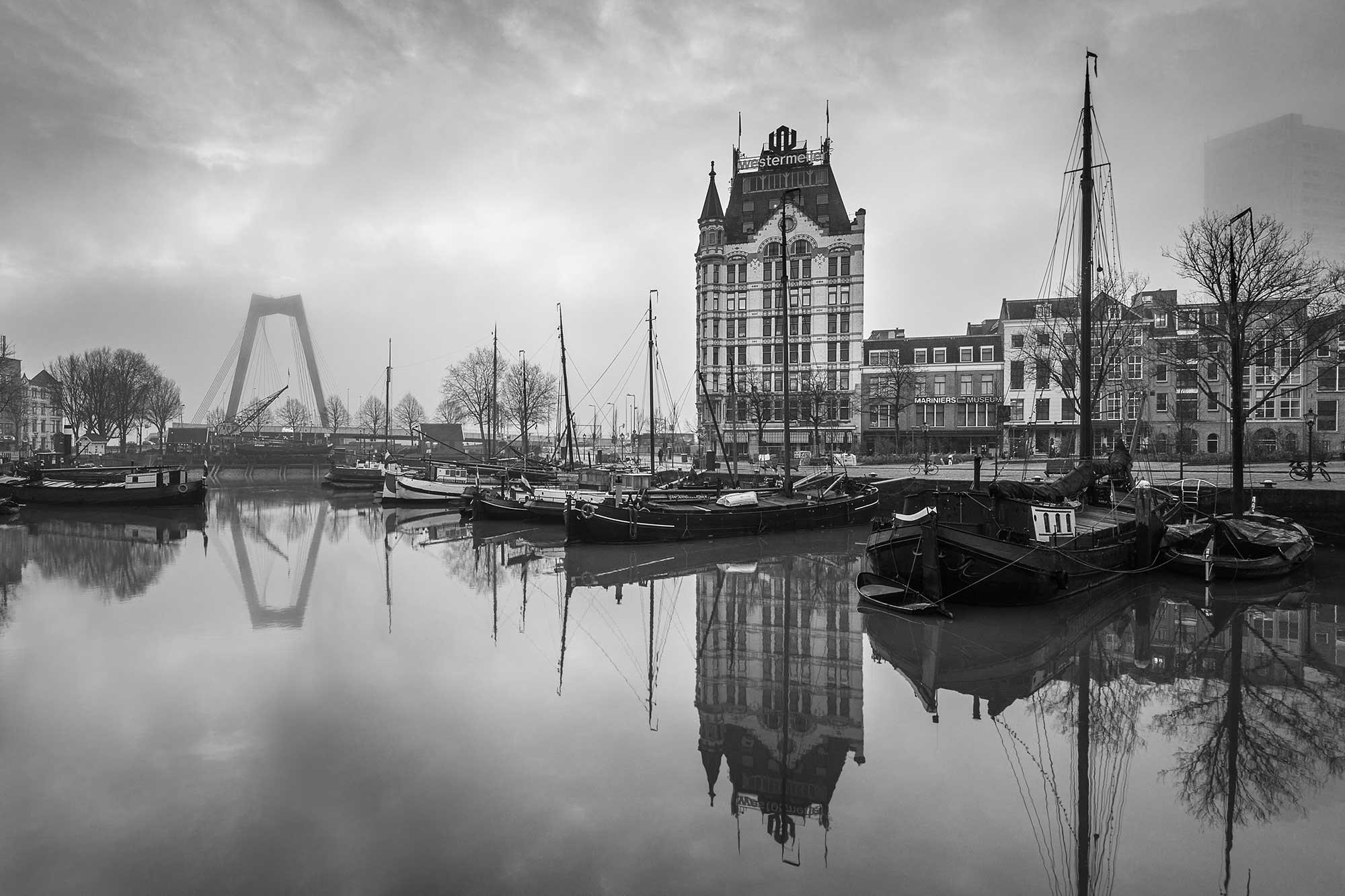 Oude Haven in Rotterdam (zwart-wit foto)