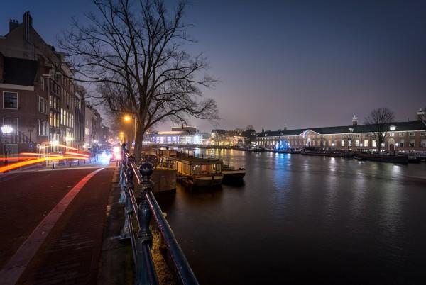 01. Avondfoto Amsterdam langs de Amstel