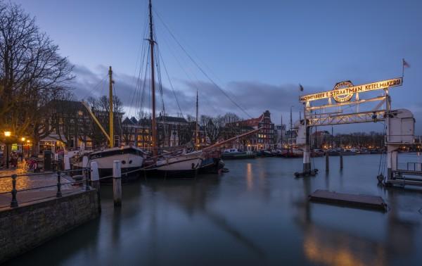 305. Avondfoto Dordrecht Wolwevershaven