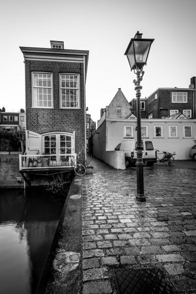 304.  Dordrecht Mattensteiger (zwart-wit)