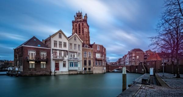 302. Kerk Dordrecht vanaf Leuvehaven
