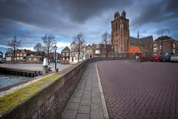 301. Onze Lieve Vrouwe Kerk Dordrecht vanaf Bomkade