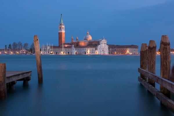 Nachtfoto San Giorgio Maggiore in Venetië